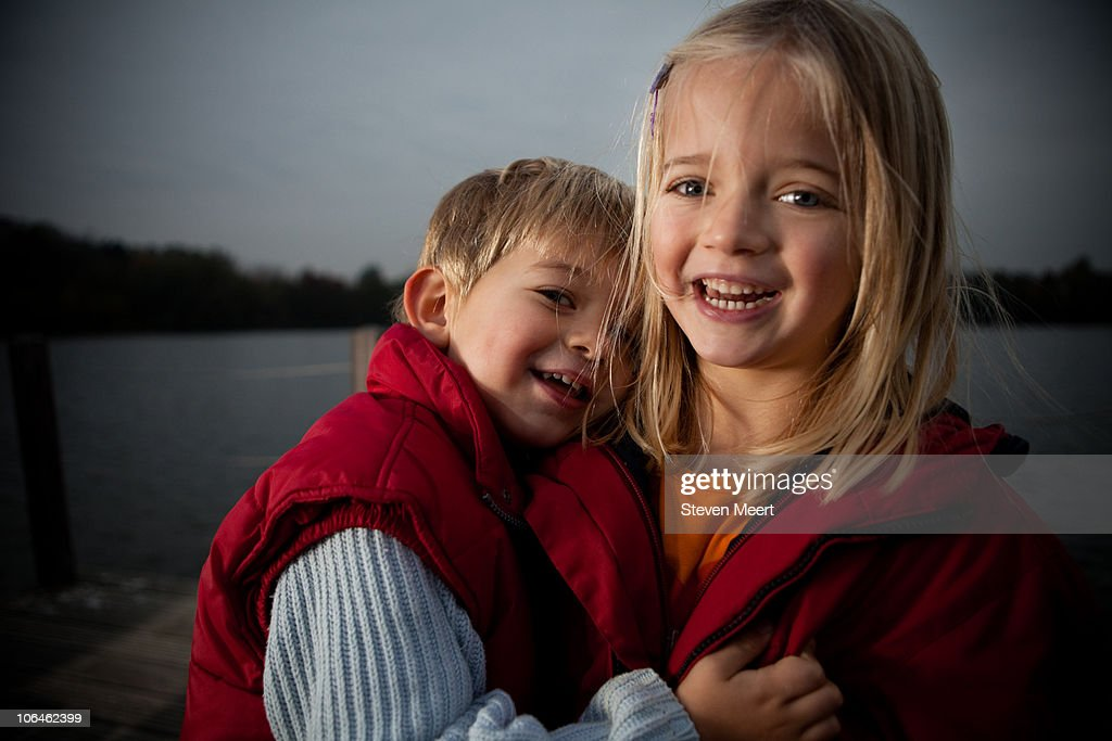 Stan and Janneke hugging : Stock Photo
