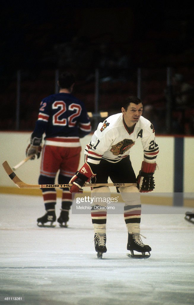 <a gi-track='captionPersonalityLinkClicked' href=/galleries/search?phrase=Stan+Mikita&family=editorial&specificpeople=1691052 ng-click='$event.stopPropagation()'>Stan Mikita</a> #21 of the Chicago Blackhawks warms-up before a 1973 Semi-Finals game against the New York Rangers in April, 1973 at the Chicago Stadium in Chicago, Illinois.