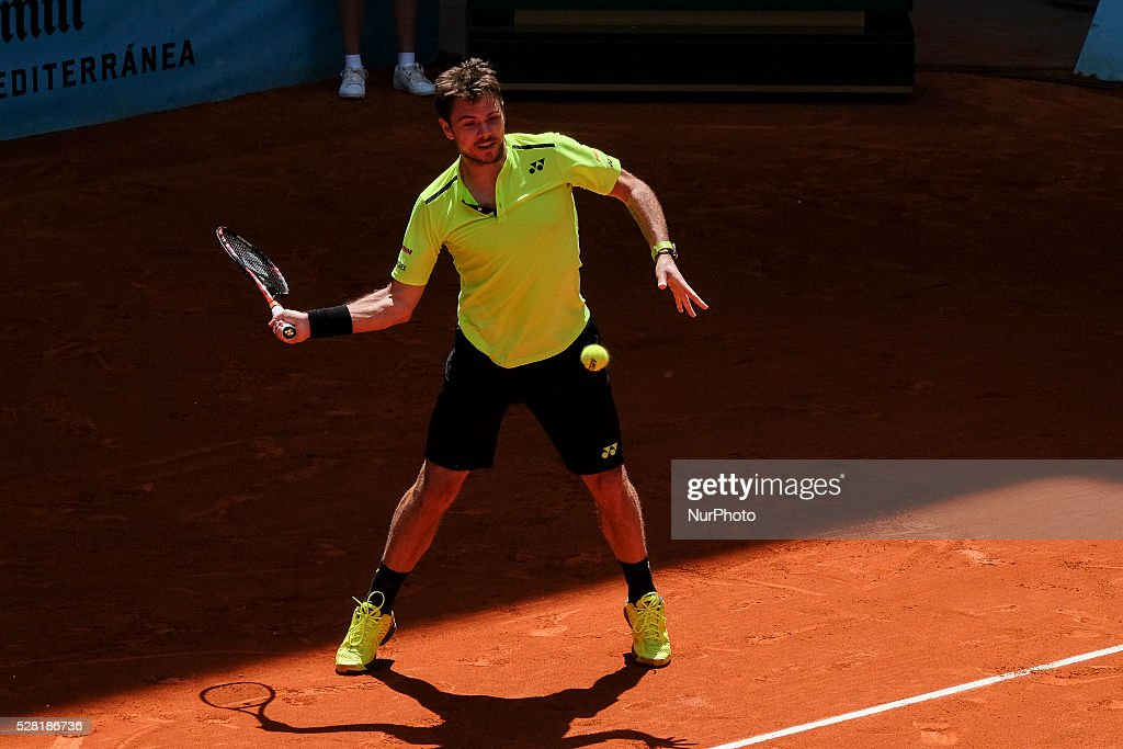 Stan Wawrinka of Suizo in action against Nick Kyrgios during day five of the Mutua Madrid Open tennis tournament at the Caja Magica on May 04, 2016 in Madrid, Spain.