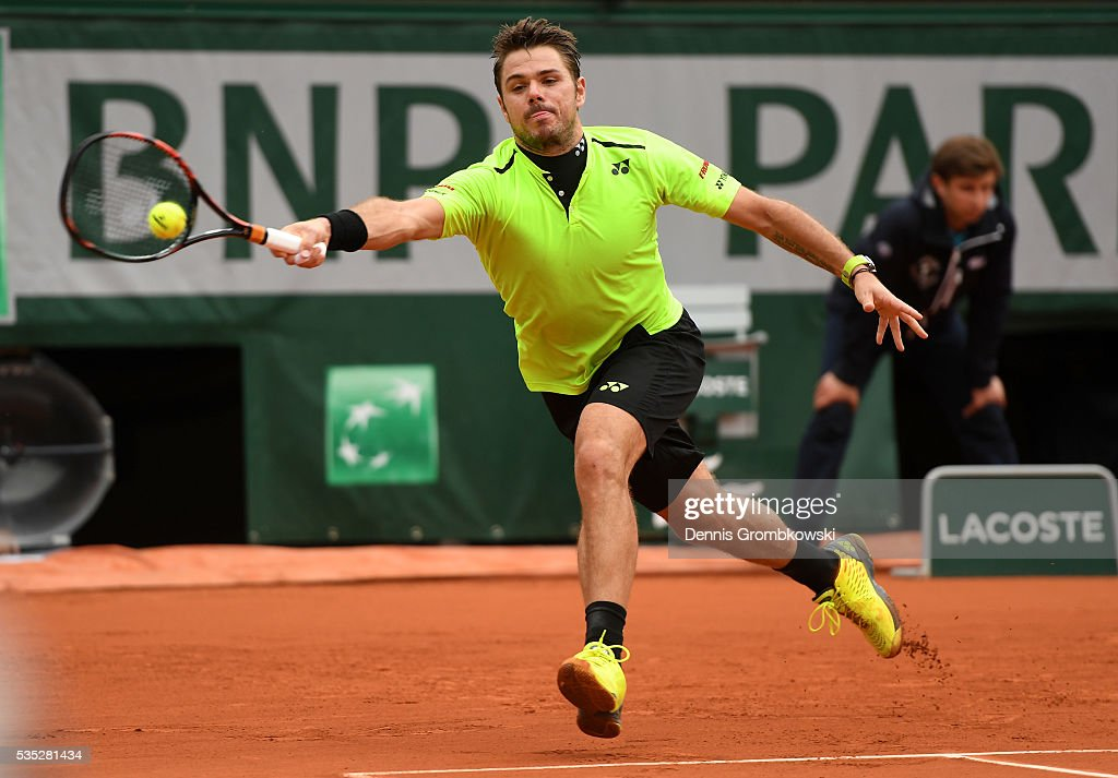 Stan Wawrinka of Switzerland hits a forehand during the Men's Singles fourth round match against Viktor Troicki of Serbia on day eight of the 2016 French Open at Roland Garros on May 29, 2016 in Paris, France.