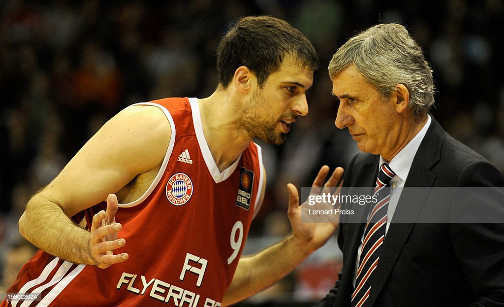 Stanislav Pesic (L), head coach of Muenchen talks to Yotam Halperin during the Beko Basketball match between FC Bayern Muenchen and Telekom Baskets Bonn at Audi-Dome on December 9, 2012 in Munich, Germany.