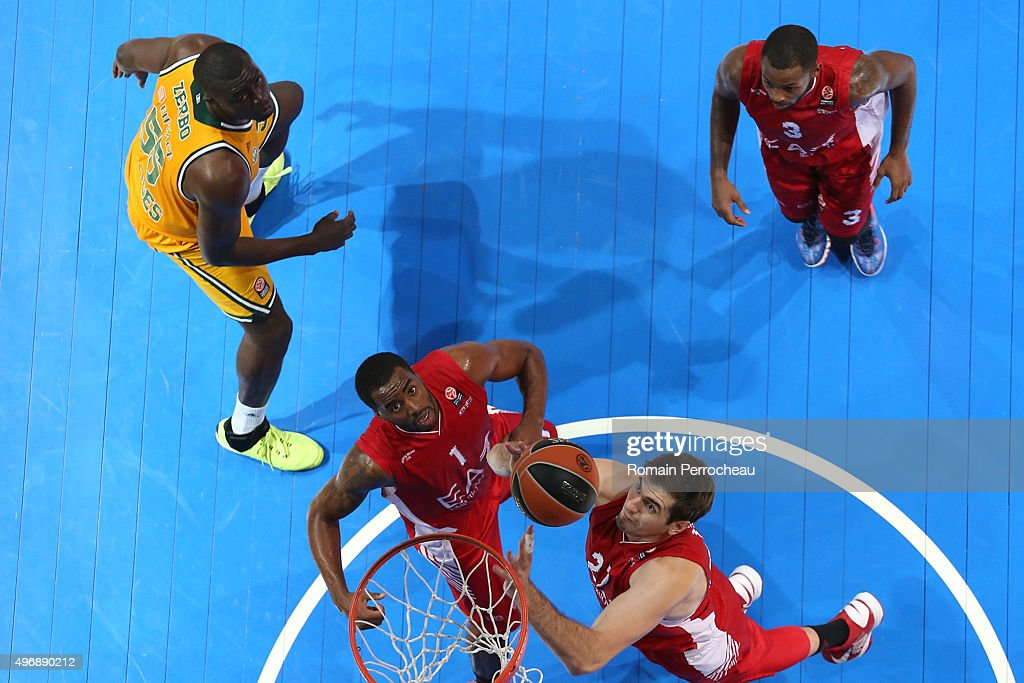 Stanko Barac (R) , Jamel McLean, Oliver Lafayette for EA7 Emporio Armani Milan and Frejus Zerbo for CSP Limoges in action during the Turkish Airlines Euroleague regular season date 5 game between CSP Limoges and EA7 Emporio Armani Milan at Palio on November 12, 2015 in Boulazac, France.