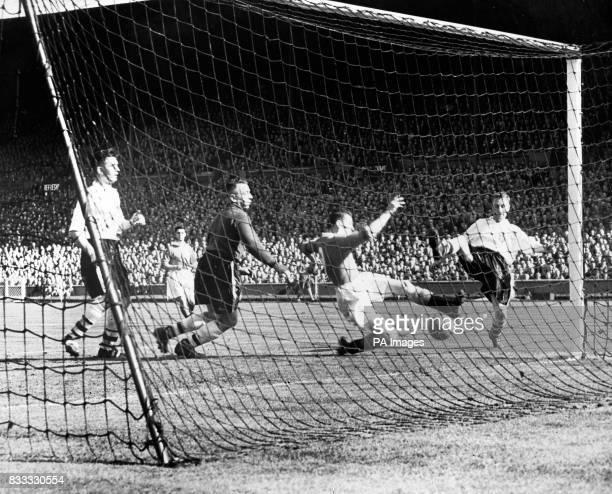 Stanley Mortensen scores Blackpool's second goal of the Cup Final LR Malcolm Barrass John Mudie Stanley Hanson Mortensen and John Ball