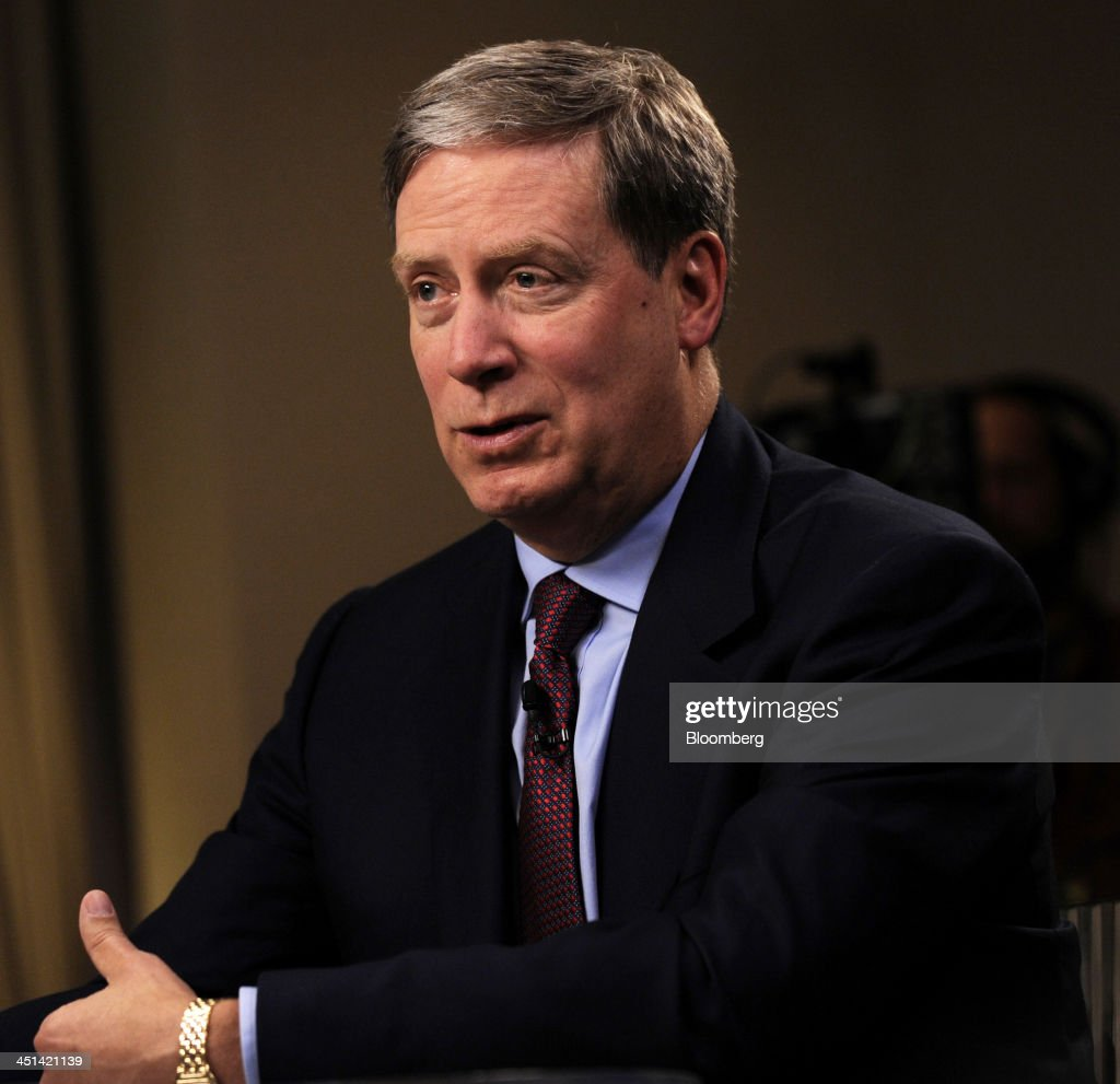 Stanley 'Stan' Druckenmiller, chairman and chief investment officer of Duquesne Family Office LLC, speaks during a television interview at the Robin Hood investors Conference in New York, U.S., on Friday, Nov. 22, 2013. Druckenmiller, who boasts one of the hedge-fund industrys best long-term track records of the past three decades, said hes betting against the shares of International Business Machines Corp. because the companys business will be replaced by technology such as cloud computing. Photographer: Peter Foley/Bloomberg via Getty Images
