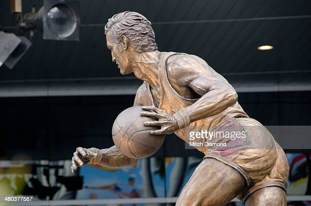 Staples Center Statue