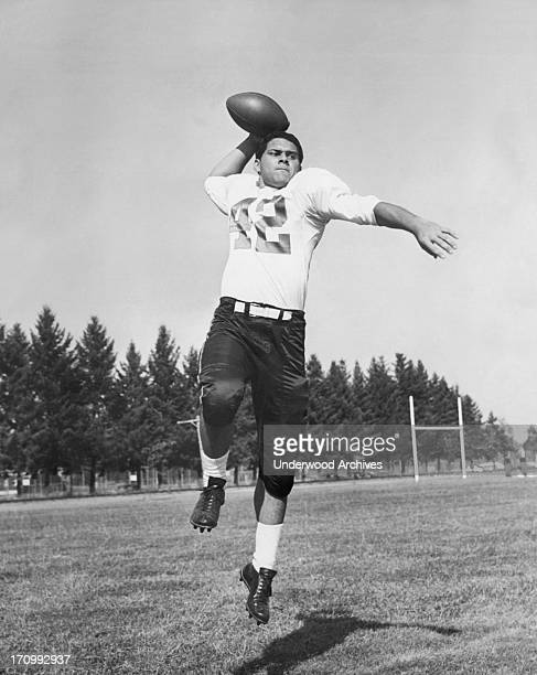 Star Hawaiian quarterback and tailback Joe Francis at Oregon State University He went on to play backup to Bart Starr for the Green Bay Packers...