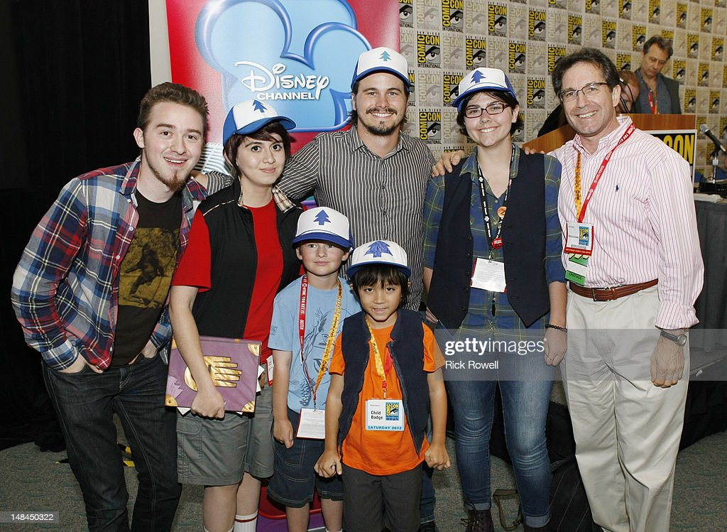 ANIMATION - Star of Disney Channel's animated series 'Gravity Falls,' Jason Ritter meets fans of his character ('Dipper Pines') at the Disney Channel panel at Comic-Con International 2012 in San Diego. ALEX HIRSCH (CREATOR/EXECUTIVE PRODUCER, 'GRAVITY FALLS'), FANS, JASON