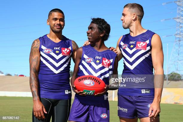 fremantle lesbian singles Abc sport fremantle's harley bennell is the latest afl player to adopt ballet training techniques to shake off persistent injuries world oceans day:.