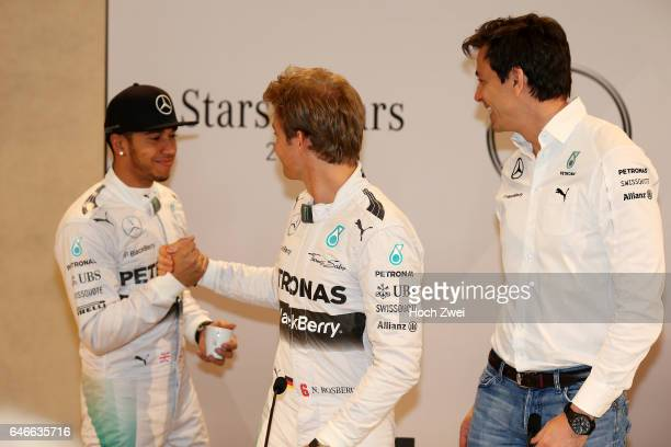 Stars Cars Stuttgart Pressekonferenz Lewis Hamilton Nico Rosberg Christian 'Toto' Wolff