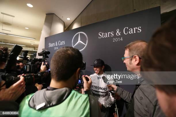 Stars Cars Stuttgart Pressekonferenz Lewis Hamilton