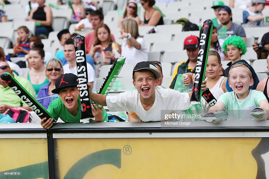 Stars fans show their support during the Big Bash League match between the Melbourne Stars and the Adelaide Strikers at the Melbourne Cricket Ground on January 9, 2014 in Melbourne, Australia.