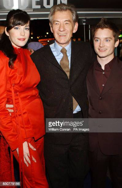 Stars of Lord of the Rings Liv Tyler Sir Ian McKellen and Elijah Wood at the Odeon Leicester Square in London for the world premiere of Lord of the...