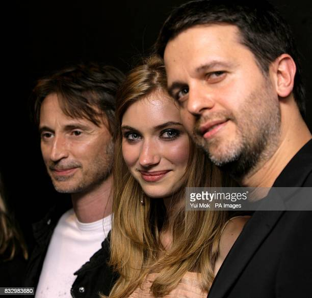 Stars of the film Robert Carlyle Imogen Poots and director Juan Carlos Fresnadillo at the premiere of 28 Weeks Later at the Odeon Covent Garden on...