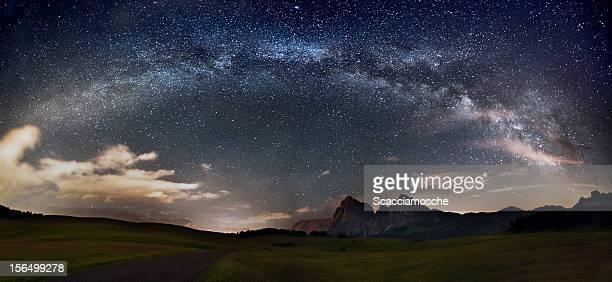 Estrelas sobre as montanhas