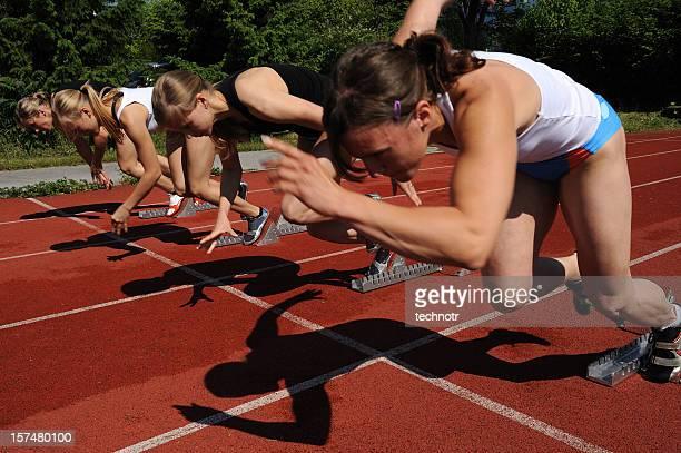 Start von 100 m sprint Rennen