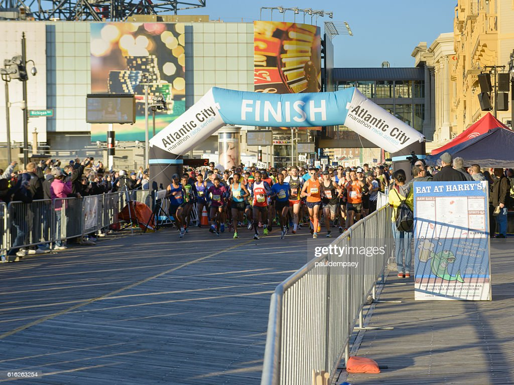 Start of 2016 Atlantic City Marathon : Stock Photo