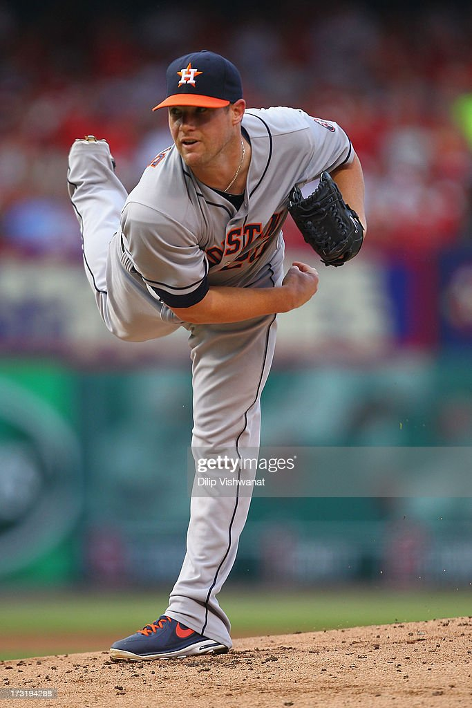 Starter <a gi-track='captionPersonalityLinkClicked' href=/galleries/search?phrase=Bud+Norris&family=editorial&specificpeople=5746311 ng-click='$event.stopPropagation()'>Bud Norris</a> #20 of the Houston Astros pitches against the St. Louis Cardinals at Busch Stadium on July 9, 2013 in St. Louis, Missouri.