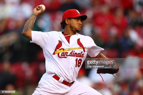 Starter Carlos Martinez of the St Louis Cardinals pitches against the Milwaukee Brewers in the first inning at Busch Stadium on May 2 2017 in St...