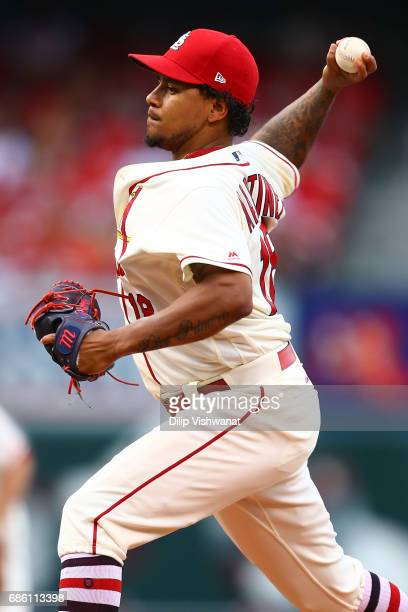 Starter Carlos Martinez of the St Louis Cardinals pitches against the San Francisco Giants in the first inning at Busch Stadium on May 20 2017 in St...
