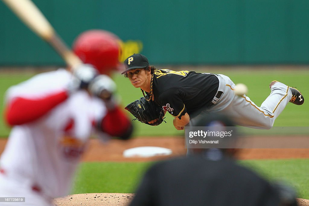 Starter Jeff Locke #49 of the Pittsburgh Pirates pitches against the St. Louis Cardinals at Busch Stadium on April 28, 2013 in St. Louis, Missouri.