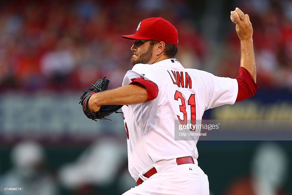 Starter Lance Lynn of the St Louis Cardinals pitches against Arizona Diamondbacks in the first inning at Busch Stadium on May 27 2015 in St Louis...