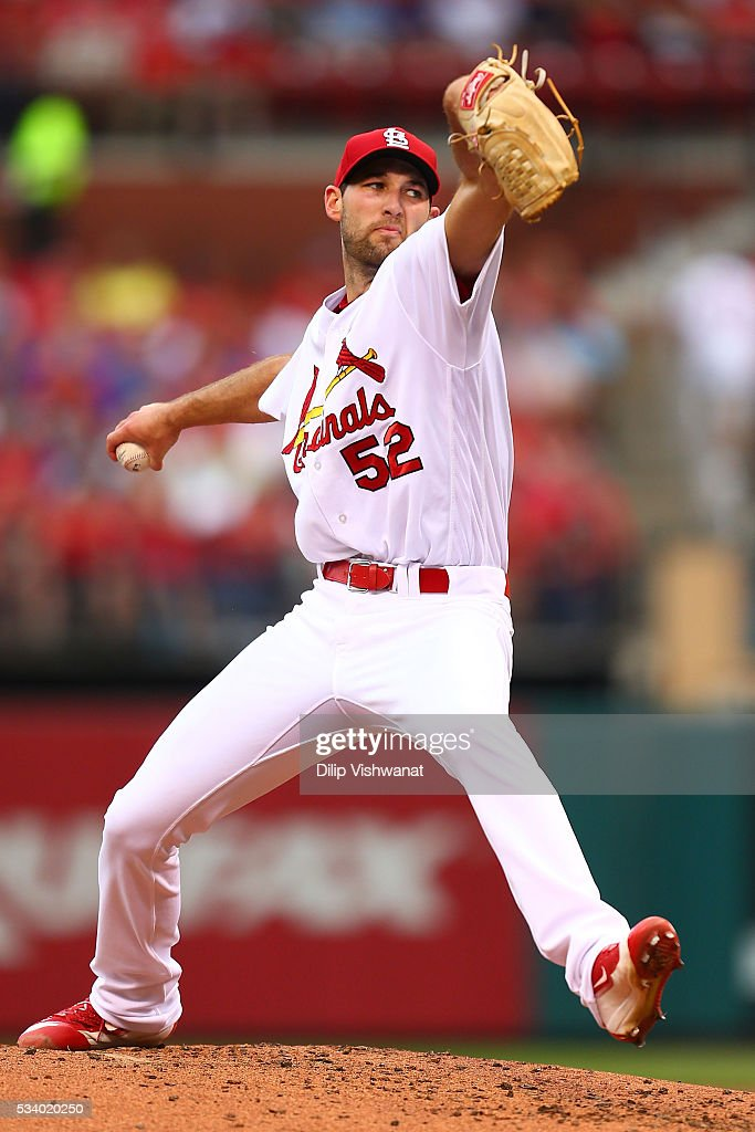 Starter <a gi-track='captionPersonalityLinkClicked' href=/galleries/search?phrase=Michael+Wacha&family=editorial&specificpeople=10490716 ng-click='$event.stopPropagation()'>Michael Wacha</a> #52 of the St. Louis Cardinals pitches against the Chicago Cubs in the second inning at Busch Stadium on May 24, 2016 in St. Louis, Missouri.