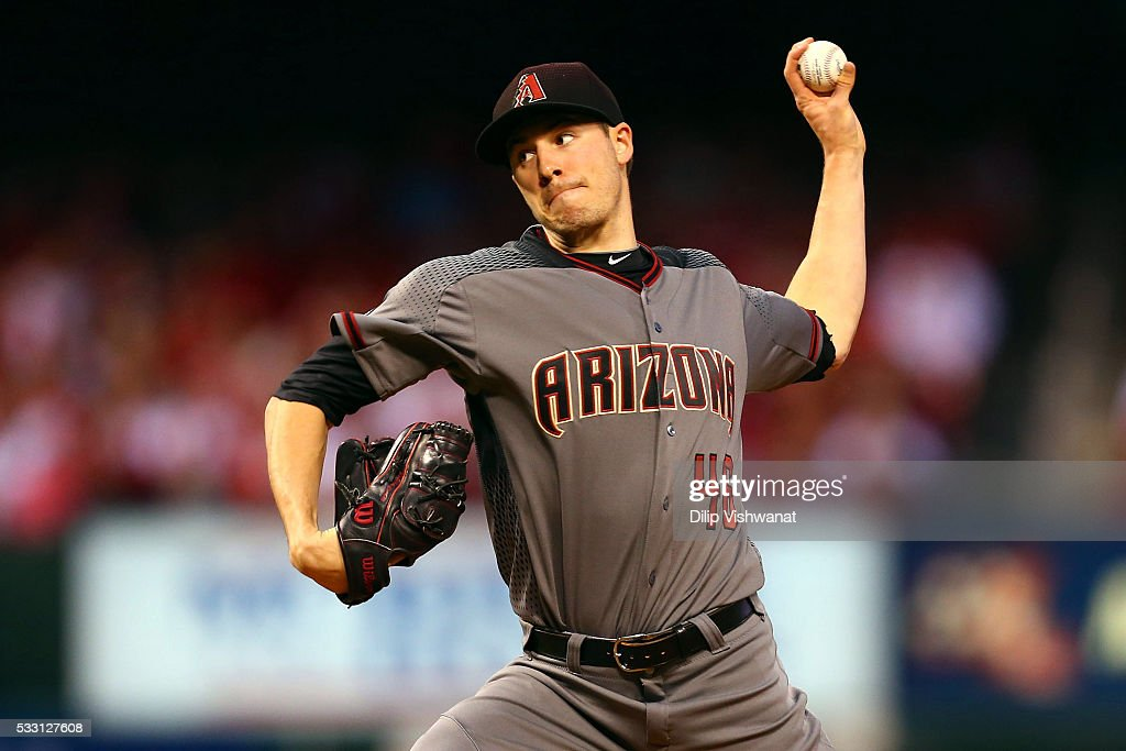 Starter Patrick Corbin of the Arizona Diamondback pitches against the St Louis Cardinals in the first inning at Busch Stadium on May 20 2016 in St...