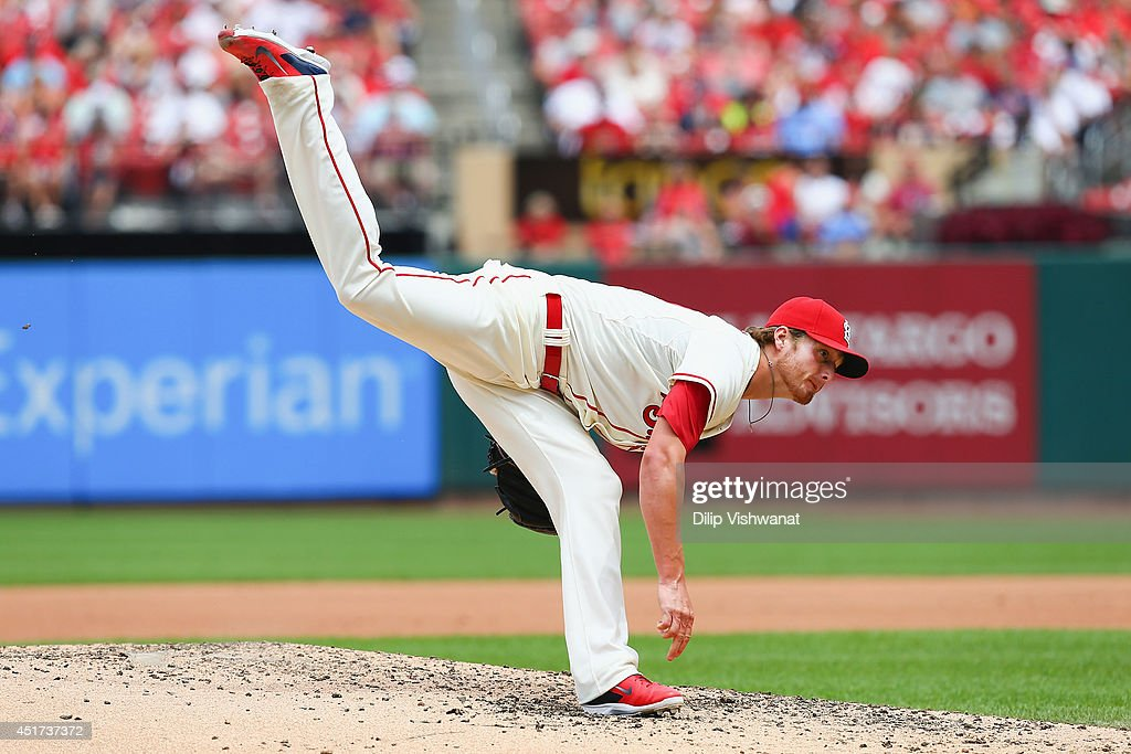 Starter <a gi-track='captionPersonalityLinkClicked' href=/galleries/search?phrase=Shelby+Miller&family=editorial&specificpeople=4761626 ng-click='$event.stopPropagation()'>Shelby Miller</a> #40 of the St. Louis Cardinals pitches against the Miami Marlins in the fourth inning at Busch Stadium on July 5, 2014 in St. Louis, Missouri.