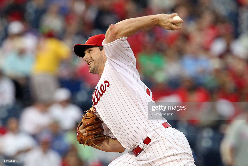 Starting pitcher <a gi-track='captionPersonalityLinkClicked' href=/galleries/search?phrase=Cliff+Lee&family=editorial&specificpeople=218092 ng-click='$event.stopPropagation()'>Cliff Lee</a> #33 of the Philadelphia Phillies throws a pitch during a game against the New York Mets at Citizens Bank Park on May 9, 2012 in Philadelphia, Pennsylvania.