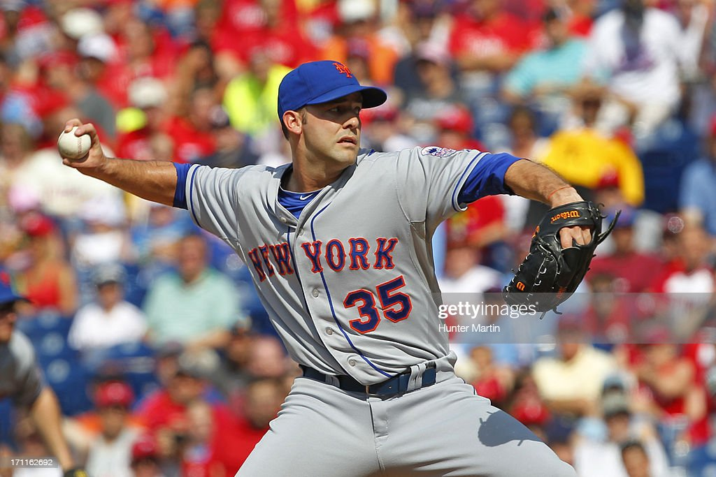 Starting pitcher <a gi-track='captionPersonalityLinkClicked' href=/galleries/search?phrase=Dillon+Gee&family=editorial&specificpeople=5741589 ng-click='$event.stopPropagation()'>Dillon Gee</a> #35 of the New York Mets throws a pitch during a game against the Philadelphia Phillies at Citizens Bank Park on June 22, 2013 in Philadelphia, Pennsylvania.
