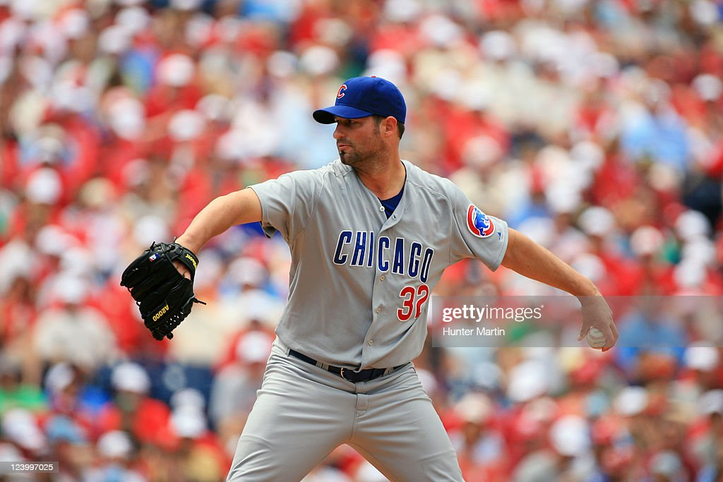Starting pitcher <a gi-track='captionPersonalityLinkClicked' href=/galleries/search?phrase=Doug+Davis+-+Baseball+Pitcher&family=editorial&specificpeople=15809391 ng-click='$event.stopPropagation()'>Doug Davis</a> #32 of the Chicago Cubs during a game against the Philadelphia Phillies at Citizens Bank Park on June 12, 2011 in Philadelphia, Pennsylvania. The Phillies won 4-3.