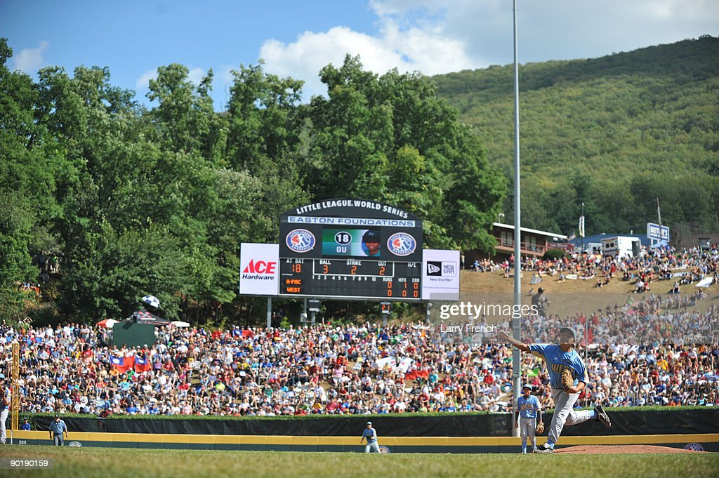 Starting pitcher Isaiah Armenta #25 of California (Chula Vista) pitches against Asia Pacific (Taoyuan, Taiwan) in the little league world series final at Lamade Stadium on August 30, 2009 in Williamsport, Pennsylvania.