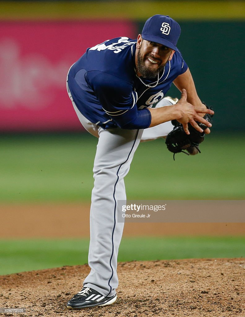 Starting pitcher <a gi-track='captionPersonalityLinkClicked' href=/galleries/search?phrase=James+Shields+-+Baseball+Player&family=editorial&specificpeople=8138267 ng-click='$event.stopPropagation()'>James Shields</a> #33 of the San Diego Padres pitches against the Seattle Mariners at Safeco Field on May 13, 2015 in Seattle, Washington.