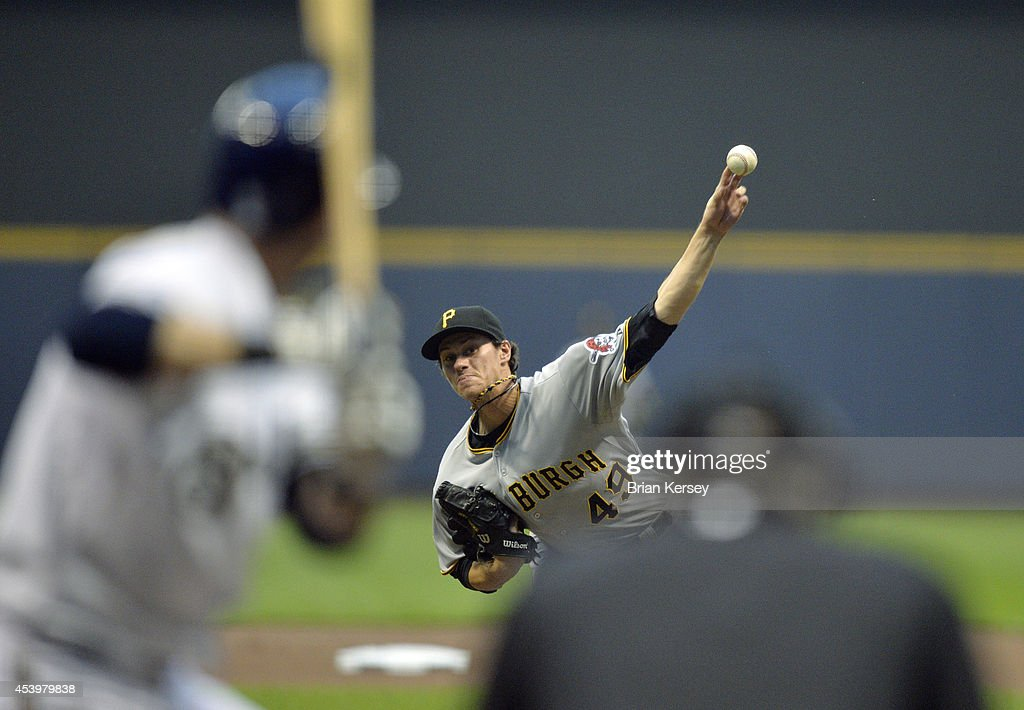 Starting pitcher Jeff Locke #49 of the Pittsburgh Pirates delivers a pitch during the first inning against the Milwaukee Brewers at Miller Park on August 22, 2014 in Milwaukee, Wisconsin.
