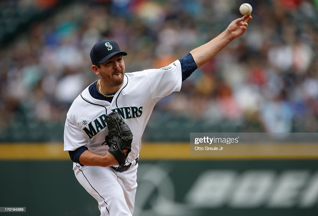 Starting pitcher Joe Saunders #23 of the Seattle Mariners pitches against the New York Yankees at Safeco Field on June 8, 2013 in Seattle, Washington. The Yankees defeated the Mariners 3-1. Photo by Otto Greule Jr/Getty Images)