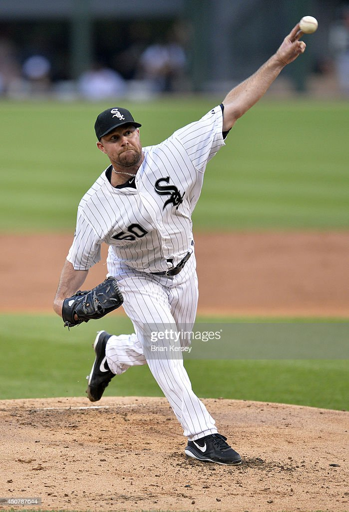 Starting pitcher <a gi-track='captionPersonalityLinkClicked' href=/galleries/search?phrase=John+Danks&family=editorial&specificpeople=835613 ng-click='$event.stopPropagation()'>John Danks</a> #50 of the Chicago White Sox delivers a pitch during the second inning against the San Francisco Giants at U.S. Cellular Field on June 17, 2014 in Chicago, Illinois.