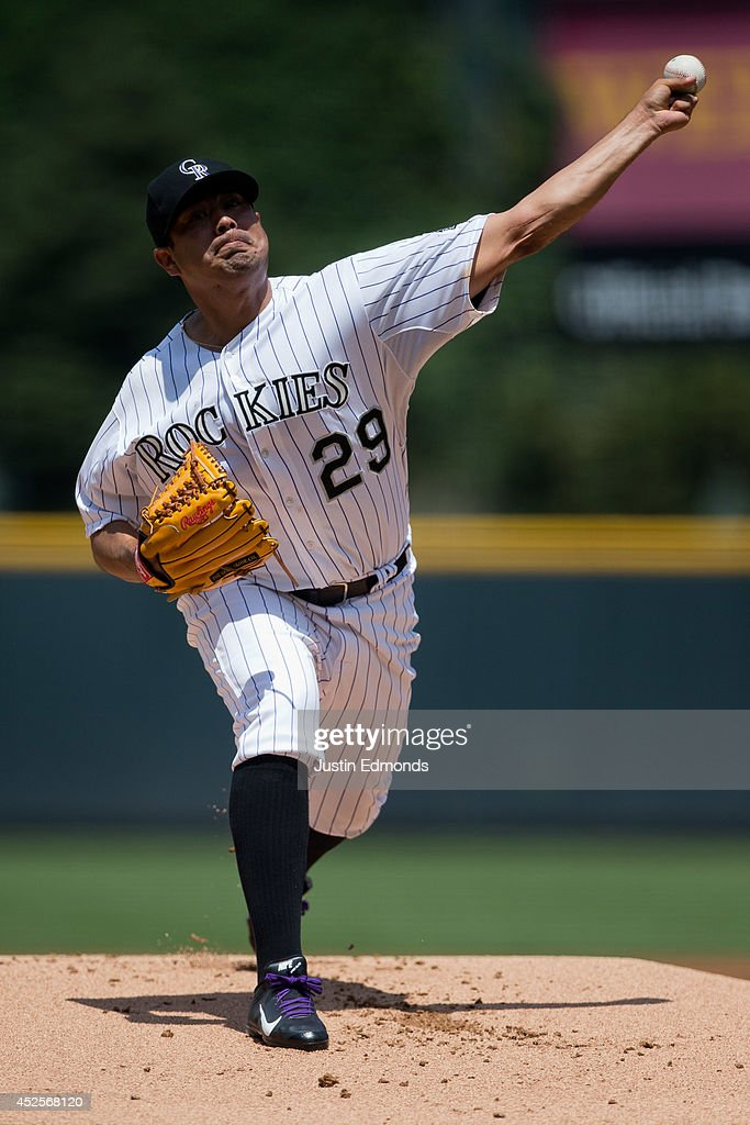 Starting pitcher <a gi-track='captionPersonalityLinkClicked' href=/galleries/search?phrase=Jorge+De+La+Rosa&family=editorial&specificpeople=244046 ng-click='$event.stopPropagation()'>Jorge De La Rosa</a> #29 of the Colorado Rockies delivers to home plate during the first inning against the Washington Nationals at Coors Field on July 23, 2014 in Denver, Colorado.