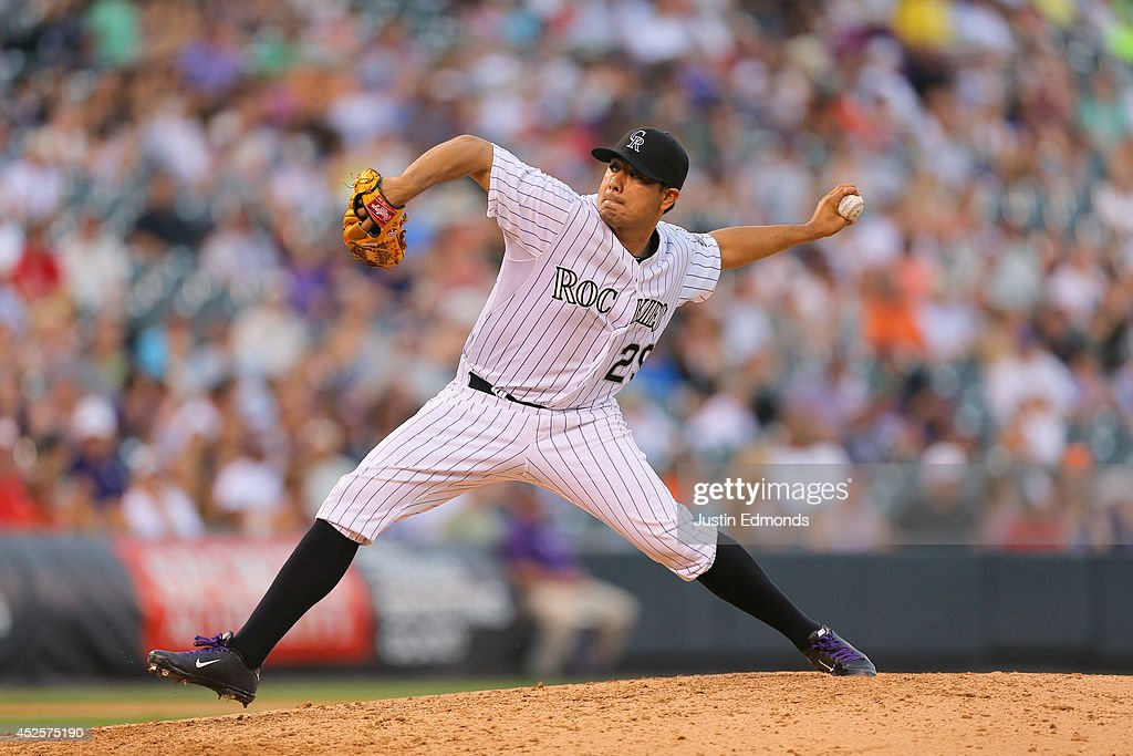 Starting pitcher <a gi-track='captionPersonalityLinkClicked' href=/galleries/search?phrase=Jorge+De+La+Rosa&family=editorial&specificpeople=244046 ng-click='$event.stopPropagation()'>Jorge De La Rosa</a> #29 of the Colorado Rockies delivers to home plate during the seventh inning against the Washington Nationals at Coors Field on July 23, 2014 in Denver, Colorado. The Rockies defeated the Nationals 6-4.