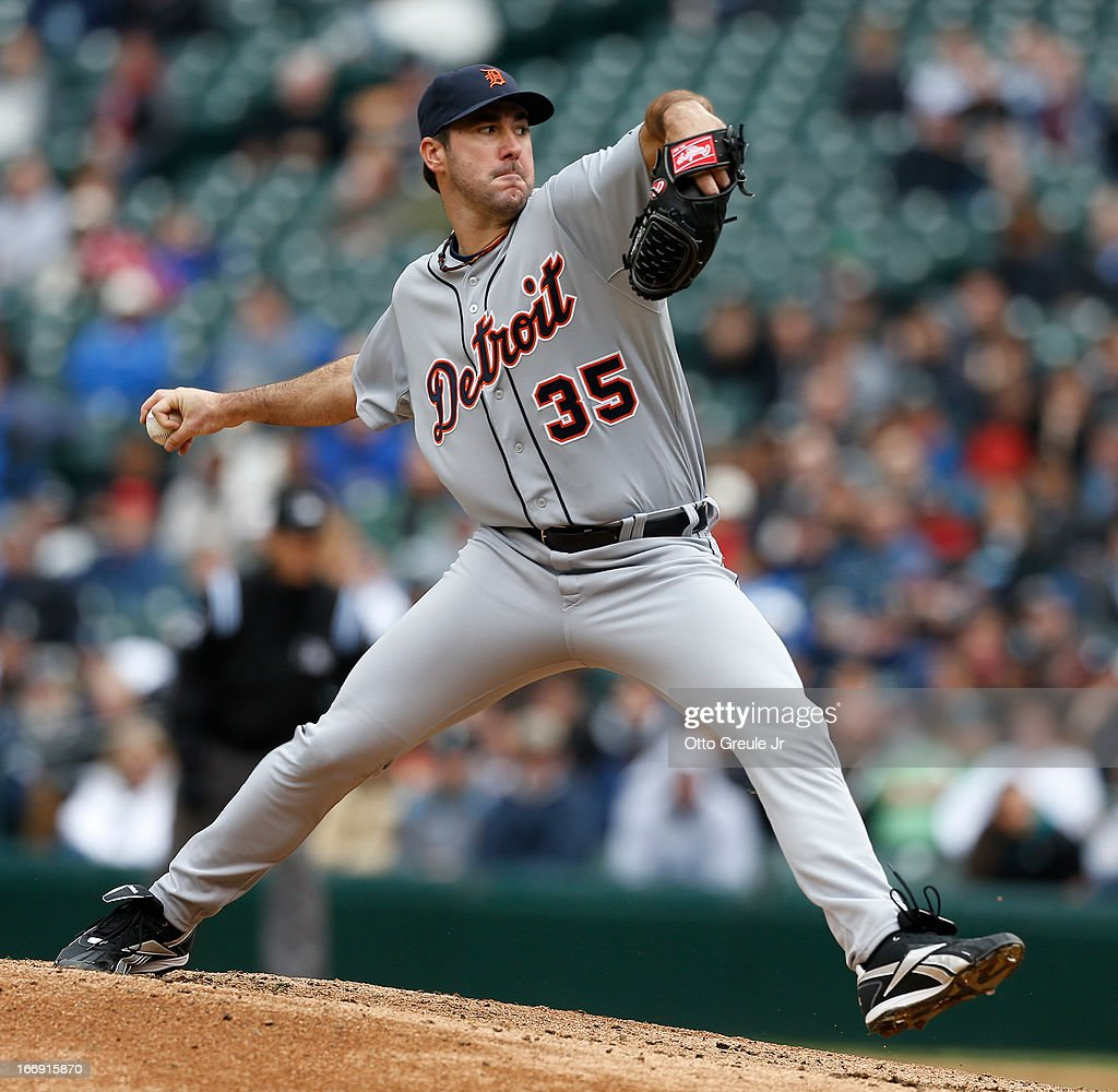 Starting pitcher <a gi-track='captionPersonalityLinkClicked' href=/galleries/search?phrase=Justin+Verlander&family=editorial&specificpeople=556723 ng-click='$event.stopPropagation()'>Justin Verlander</a> #35 of the Detroit Tigers pitches against the Seattle Mariners at Safeco Field on April 18, 2013 in Seattle, Washington.