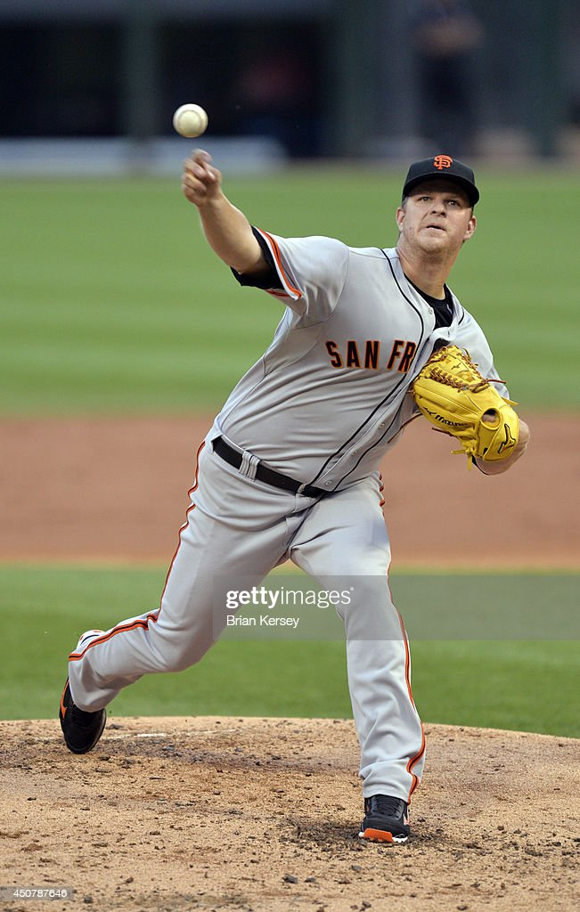 Starting pitcher <a gi-track='captionPersonalityLinkClicked' href=/galleries/search?phrase=Matt+Cain&family=editorial&specificpeople=534602 ng-click='$event.stopPropagation()'>Matt Cain</a> #18 of the San Francisco Giants delivers a pitch during the second inning against the Chicago White Sox at U.S. Cellular Field on June 17, 2014 in Chicago, Illinois.