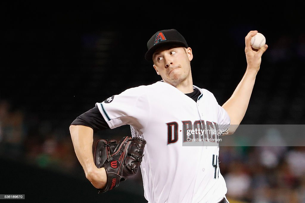 Starting pitcher <a gi-track='captionPersonalityLinkClicked' href=/galleries/search?phrase=Patrick+Corbin+-+Joueur+de+baseball&family=editorial&specificpeople=10882576 ng-click='$event.stopPropagation()'>Patrick Corbin</a> #46 of the Arizona Diamondbacks pitches against the Houston Astros during the first inning of the MLB game at Chase Field on May 31, 2016 in Phoenix, Arizona.