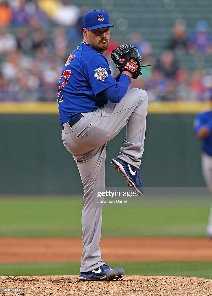 Starting pitcher <a gi-track='captionPersonalityLinkClicked' href=/galleries/search?phrase=Travis+Wood&family=editorial&specificpeople=805314 ng-click='$event.stopPropagation()'>Travis Wood</a> #37 of the Chicago Cubs delivers the ball against the Chicago White Sox at U.S. Cellular Field on May 7, 2014 in Chicago, Illinois. The White Sox defeated the Cubs 8-3.