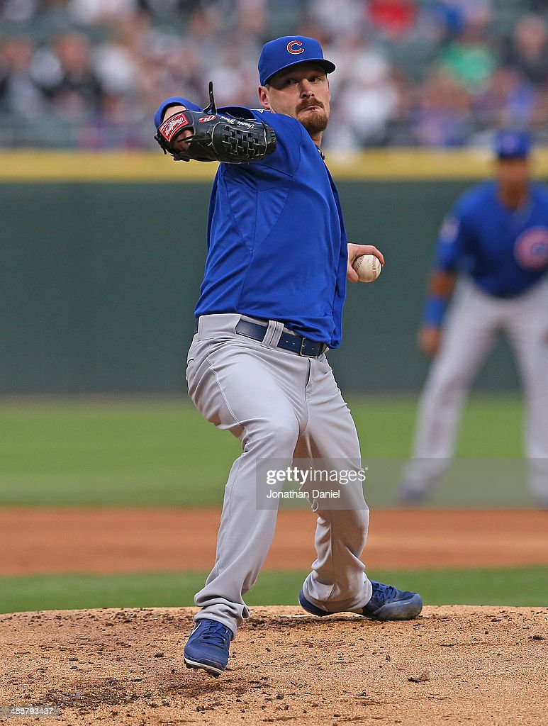 Starting pitcher <a gi-track='captionPersonalityLinkClicked' href=/galleries/search?phrase=Travis+Wood&family=editorial&specificpeople=805314 ng-click='$event.stopPropagation()'>Travis Wood</a> #37 of the Chicago Cubs delivers the ball against the Chicago White Sox at U.S. Cellular Field on May 7, 2014 in Chicago, Illinois.