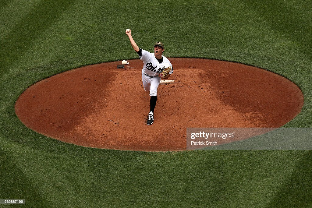 Starting pitcher <a gi-track='captionPersonalityLinkClicked' href=/galleries/search?phrase=Tyler+Wilson+-+Jugador+de+b%C3%A9isbol&family=editorial&specificpeople=14638083 ng-click='$event.stopPropagation()'>Tyler Wilson</a> #63 of the Baltimore Orioles works the first inning against the Boston Red Sox at Oriole Park at Camden Yards on May 30, 2016 in Baltimore, Maryland.