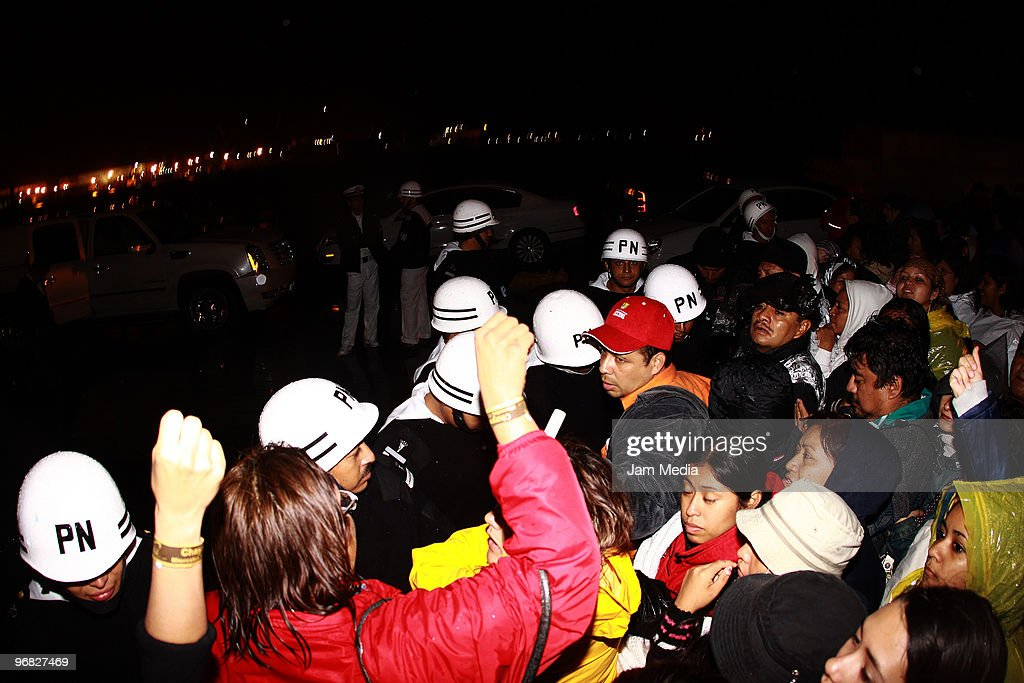 State security forces are denied access to journalists, revelers, and people with tickets for the concert of Chayanne during the Carnival Veracruz 2010 at Downtown Streets on February 17, 2010 in Veracruz, Mexico.
