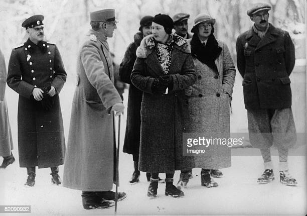 State visit of the Bulgarian tsar Boris in Yugoslavia From the left Alexander of Yugoslavia queen Johnna queen Marie and tsar Boris during a hunt in...