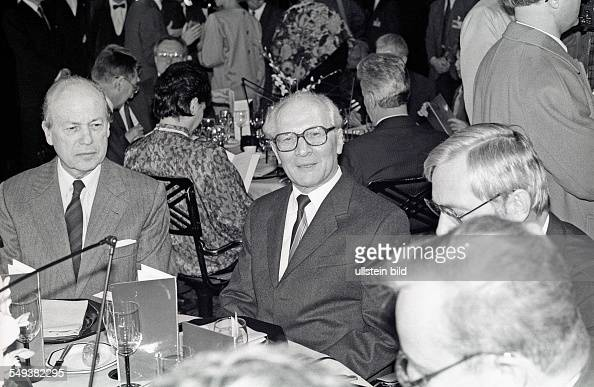 Erich honecker on a state visit to france pictures getty for Eiffel restaurant berlin