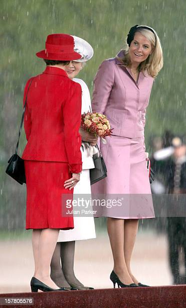 State Visit To Norway By Their Majesties The Emperor Empress Of JapanOfficial Welcome Ceremony At The Royal Palace In Oslo Attended By Queen Sonja...