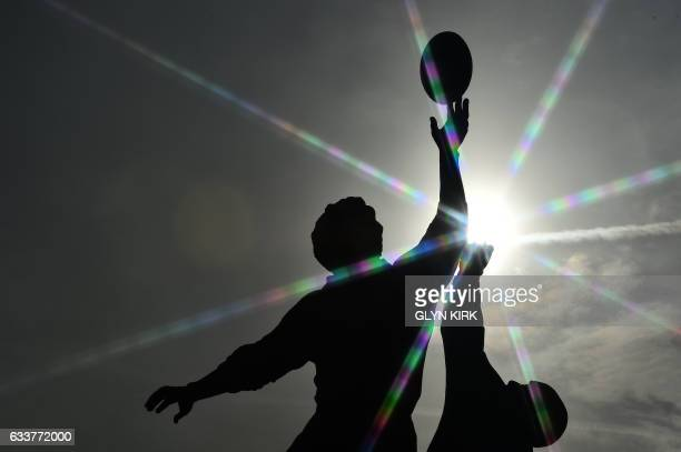 TOPSHOT A statue by British artist Gerald Laing stands outside Twickenham stadium in southwest London on February 4 2017 / AFP PHOTO / Glyn KIRK