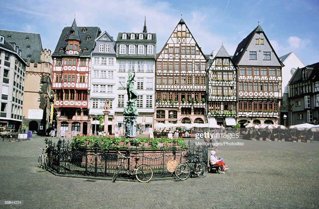 Statue in front of buildings, Romerberg Square, Frankfurt, Germany : Stock Photo
